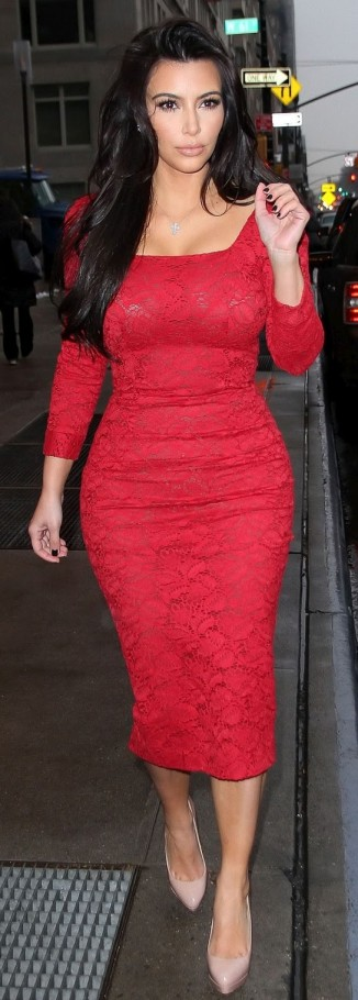 kim kardashian hourglass body shape